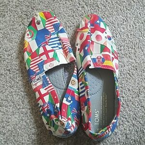 TOMS Women's size 5.5 World Flag slip-on shoes